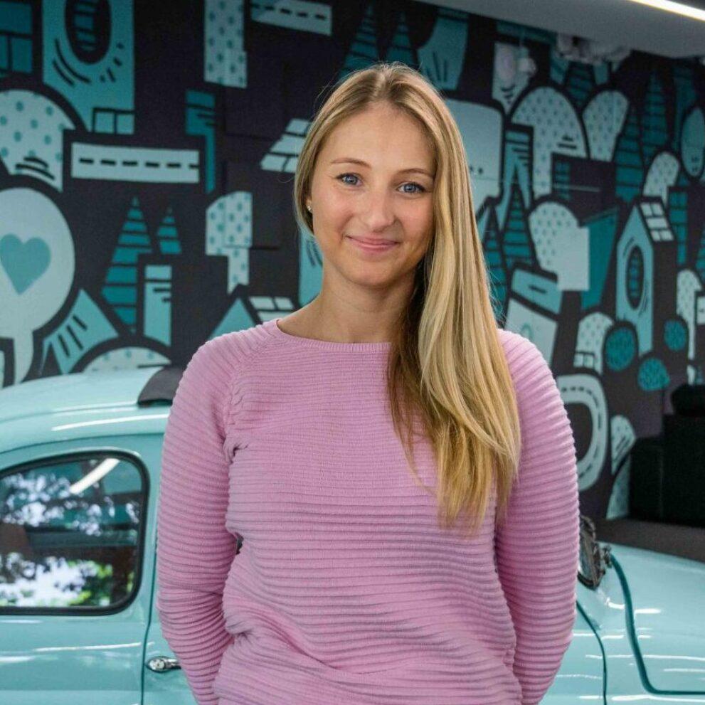 Portrait von ads&figures Mitarbeiterin Miranda Eggenschwiler