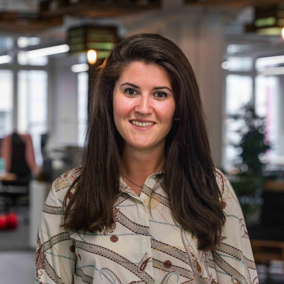Portrait von ads&figures Mitarbeiterin Gloria Mihaljevic