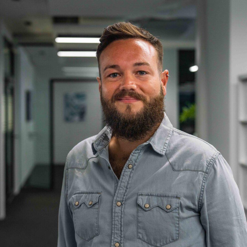 Portrait von ads&figures Mitarbeiter Simon Schütz