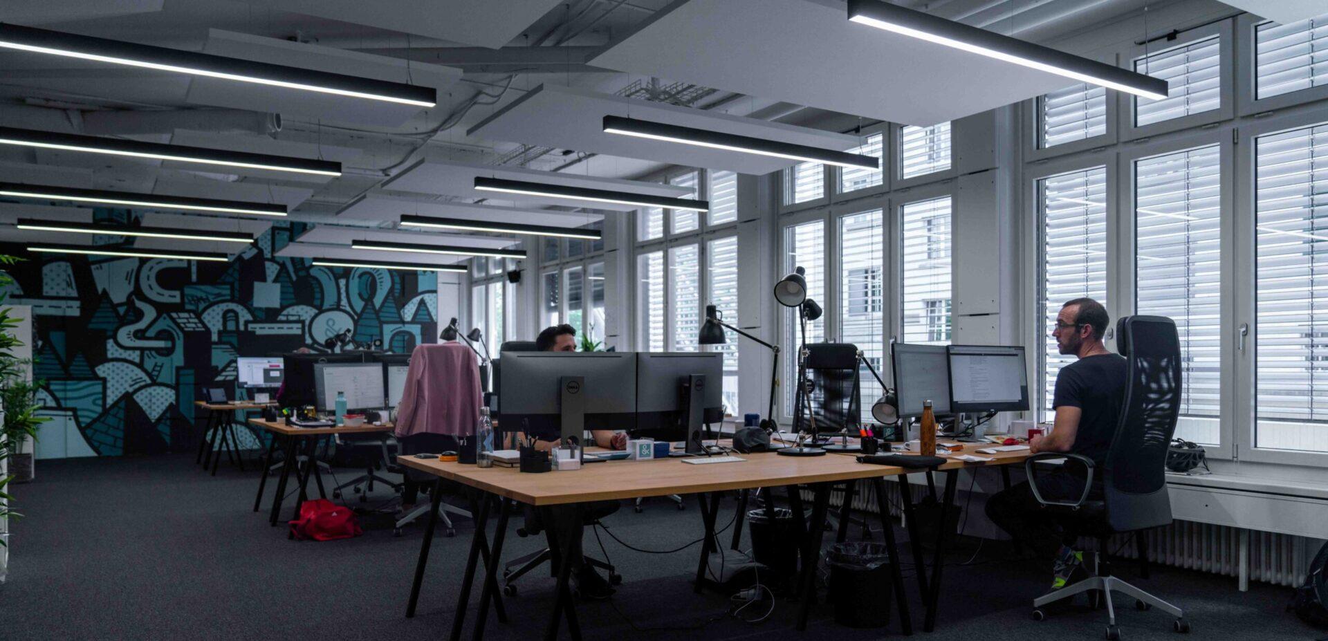Mitarbeiter im ads&figures Büro